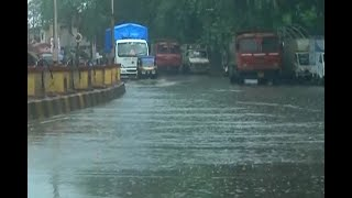 Mumbai: Waterlogging in Sion and Dadar due to heavy rain