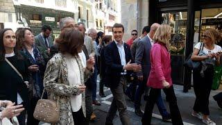 Pablo Casado visita el recorrido del encierro en Pamplona
