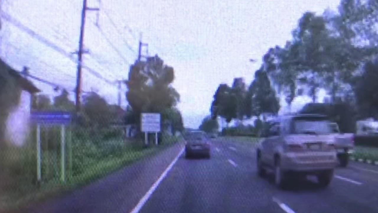 กล้องหน้ารถ จับภาพหนุ่มข้ามถนนถูกเก๋งชน ฟอร์จูนเนอร์เหยียบซ้ำเสียชีวิต