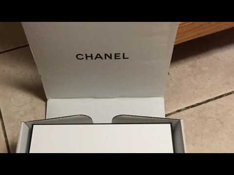 chanel no 5 l 39 eau review youtube. Black Bedroom Furniture Sets. Home Design Ideas