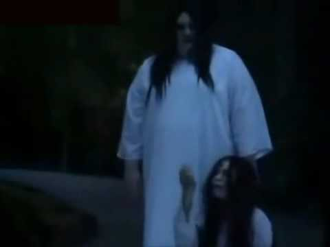 Ma nữ cũng sợ chết =))