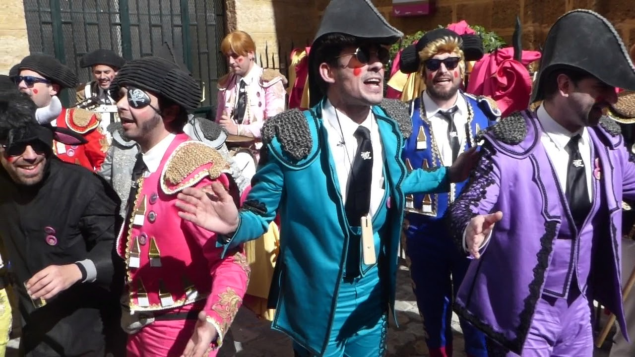 Carnaval Cadiz 2018 En La Calle Presentacion Chirigota Una Corrida En Tu Cara Calle La Palma Youtube