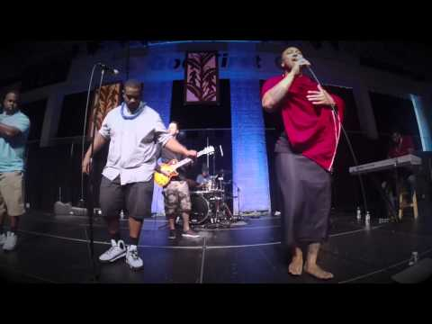 """Addicted"" Aisea Taimani & Minor Islands Live"