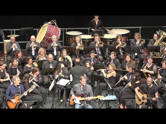 PLAÇA CATALUNYA - Menaix a Truà & Banda de Música de Manacor