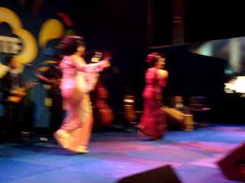 Es Lilin By Tetty Supangat & Mamiek Prasitoresmi / Keroncong Jawara TTF 2010