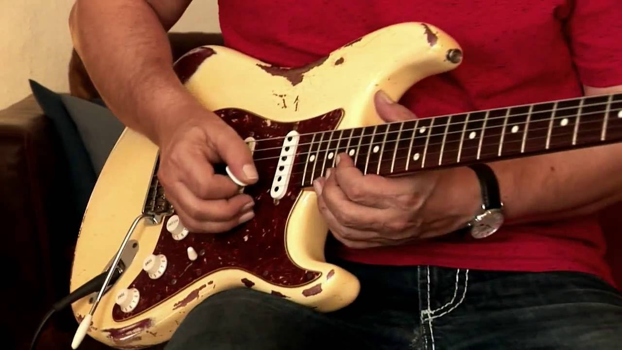 2013 Fender Stratocaster Custom Shop '62 Heavy Relic vintage white over  burgundy, Part2