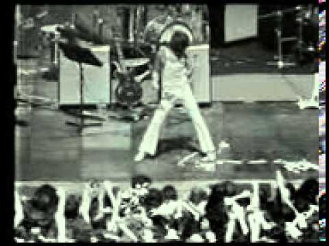 puppy song live 1974.3gp
