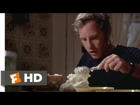 Close Encounters of the Third Kind (4/8) Movie CLIP - Roy's Mashed Potatoes (1977) HD