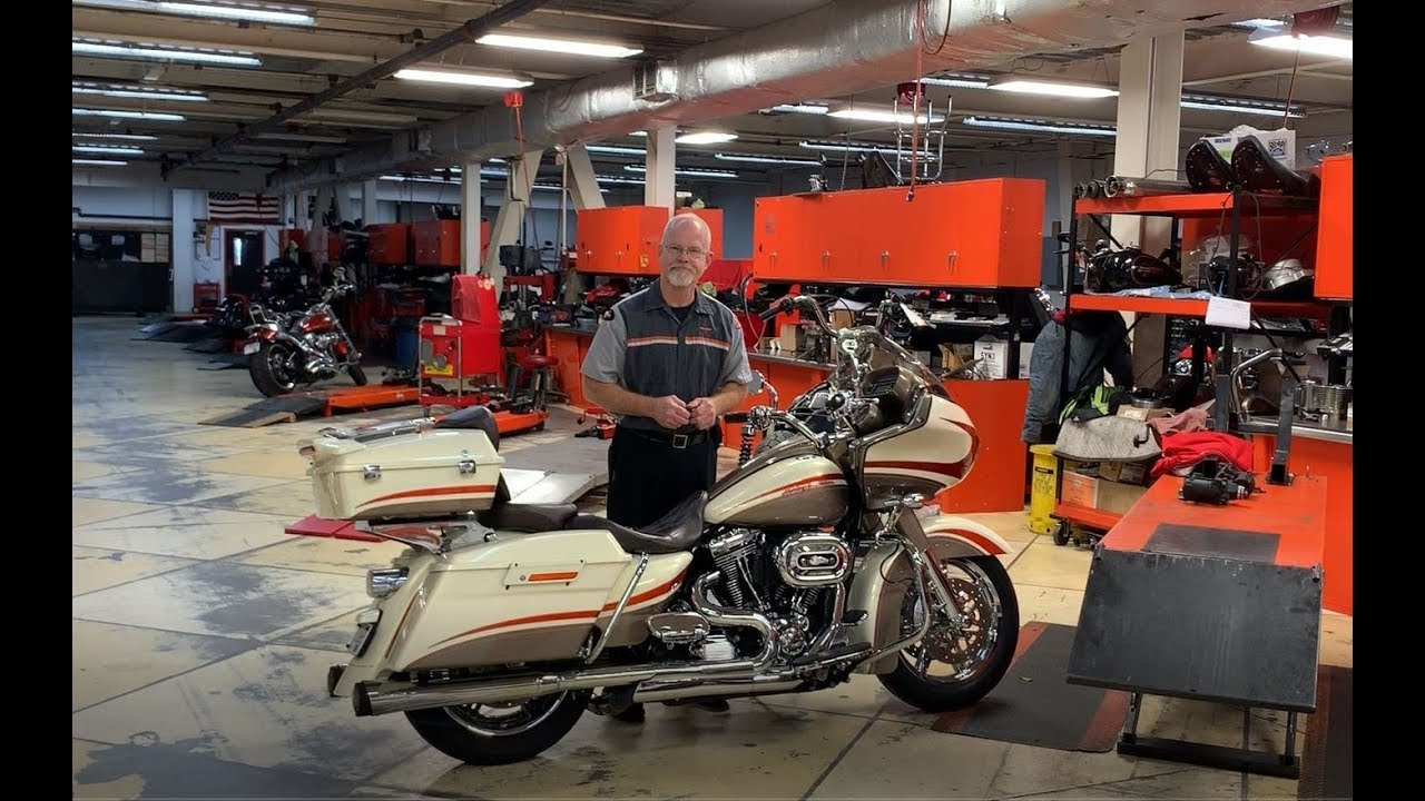 DOC HARLEY: IGNITION SWITCH REMOVAL AND INSTALL
