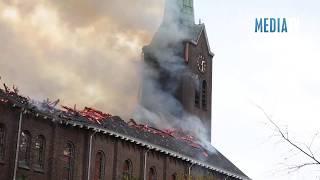 Grote uitslaande brand in Rooms Katholieke Kerk Hoogmade