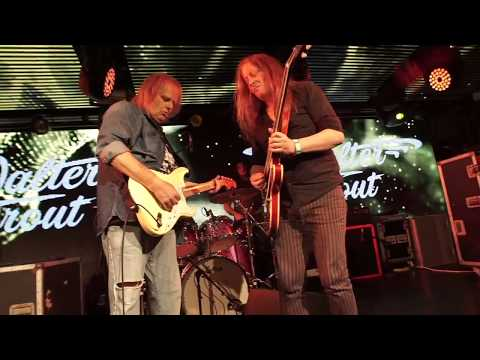 Walter Trout with Innes Sibun Live in London