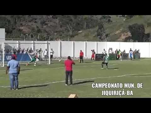 Disputa de pênaltis em Jiquiriçá-ba, depois da cobrança a bola entra e juiz anula o gol