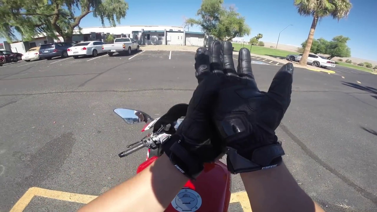MVlog 60: Xách Ducati 848 EVO đi ăn mì gõ bình dân kiểu Nhật ngon tuyệt