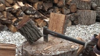 FISKARS X27 ❅SLO MO❅ WOOD SPLITTING AXE REVIEW
