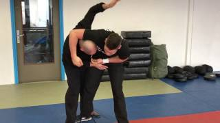 Escaping Artery Choke with Amnon Darsa at Institute Krav Maga Netherlands.