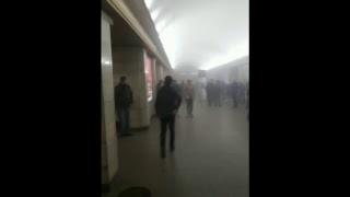 """Прямая трансляция """"Фонтанки"""" с места теракта в метро в Петербурге"""