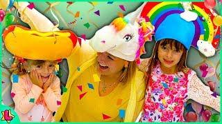 Laurinha Comprando Fantasia para o Carnaval na Disney para Crianças
