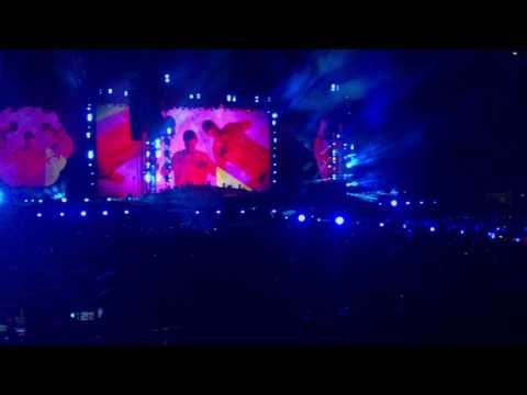 "Coldplay performing for the very first time in Milan ""Miracles (someone special)"" feat. Big Sean"