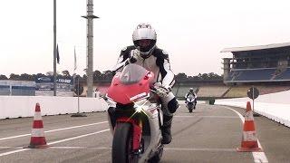 Superbikes im Test: Yamaha R1 und BMW S 1000 RR // GRIP - BIKE EDITION
