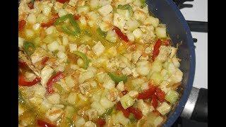Овощи тушенные с курицей//Кабачок, перец и мясо