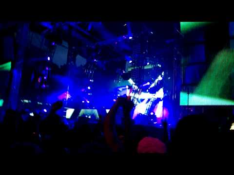 Calvin Harris - Thinking About You @ EDC NYC 05-18-2013