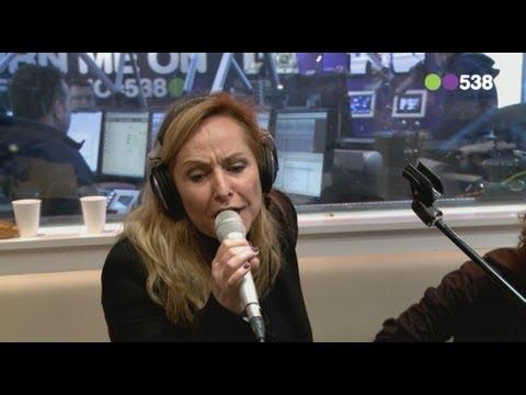 Angela Groothuizen - Ik hou van dit land (Live bij Evers Staat Op)