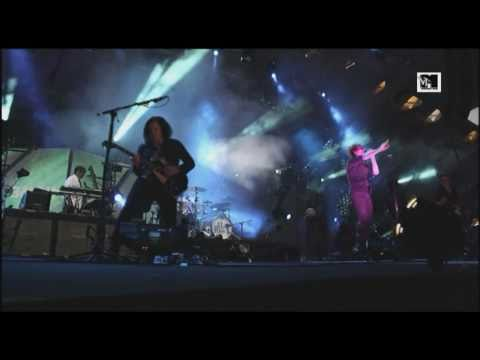 My Chemical Romance - Bulletproof Heart (LIVE at MTV Winter 2011) [HQ]