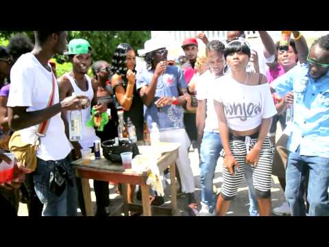 Navino - Chillin' Time [Official HD Video]