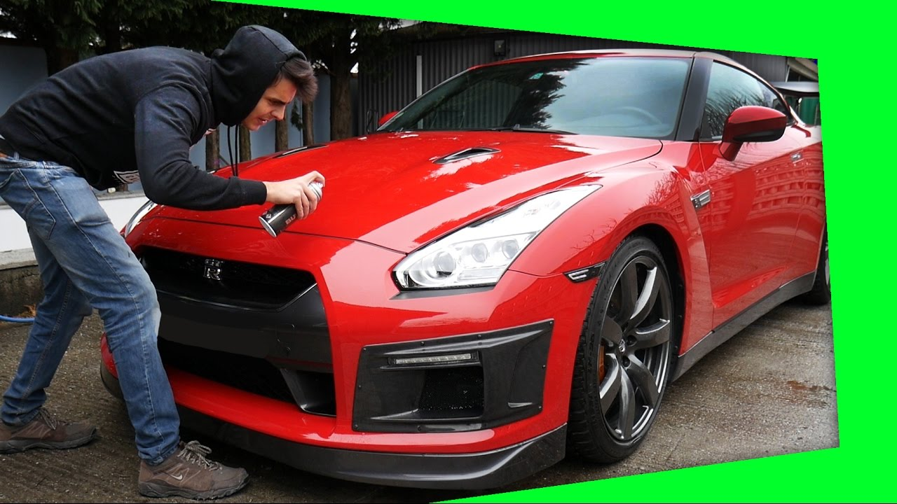 custom nissan gt r garage funnydog tv. Black Bedroom Furniture Sets. Home Design Ideas