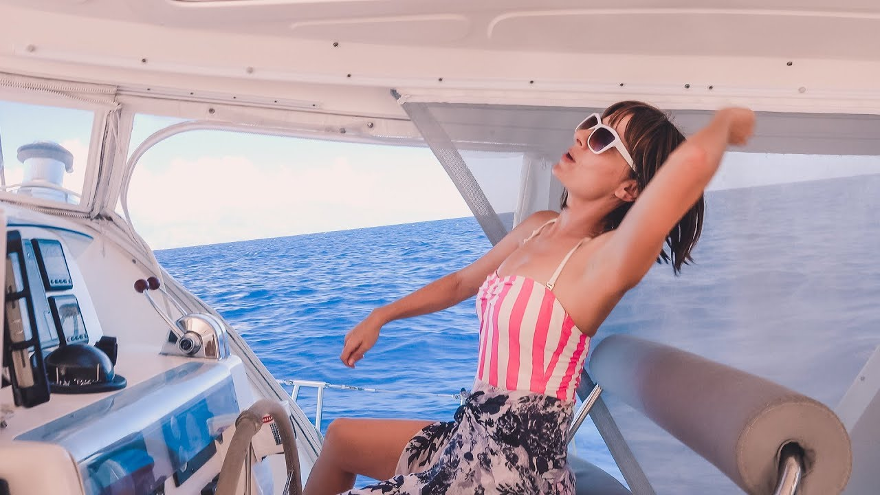 just-buckin-around-at-sea-sailing-moorea-french-polynesia