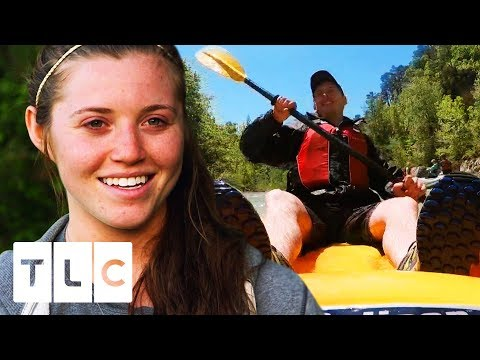 Joy And Austin Take Everyone On A Rafting And Canoeing Adventure Day!   Counting On
