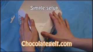 Medium Triangle Purim Boxes Product Demo, See How Easy They Are To Setup