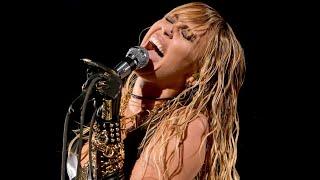 Miley Cyrus - Black Dog (Led Zeppelin Cover)
