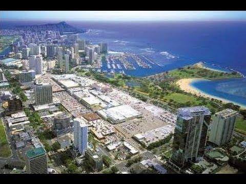 Hawaii's HUGE open air mall on Oahu