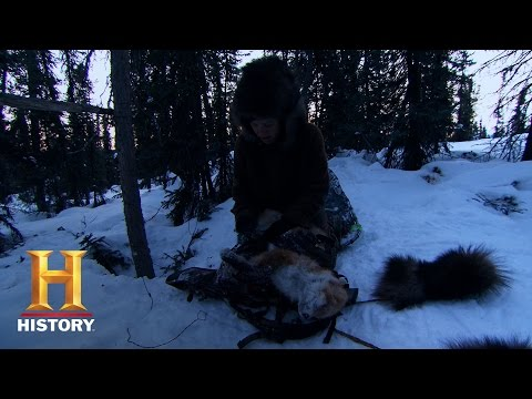Great Wild North: Megan's Snow Shoe Breaks (S1, E4)   History