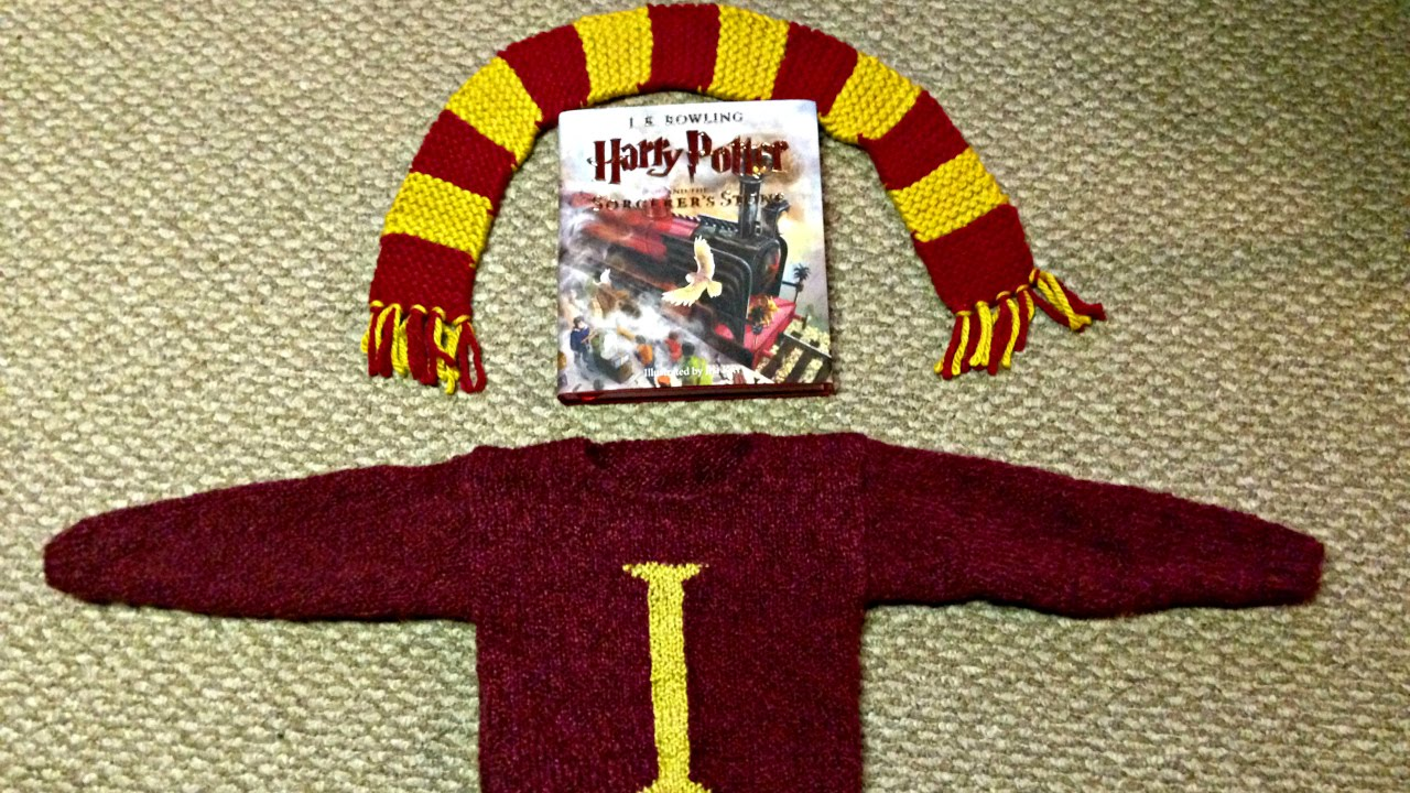 Gryffindor Scarf and Molly Weasley Sweater DIY - YouTube