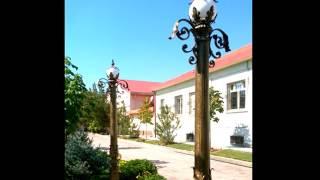 Красивый кованый столб с фонарем, светильник на столбе, фонарный с ковкой, изготовление в Днепре