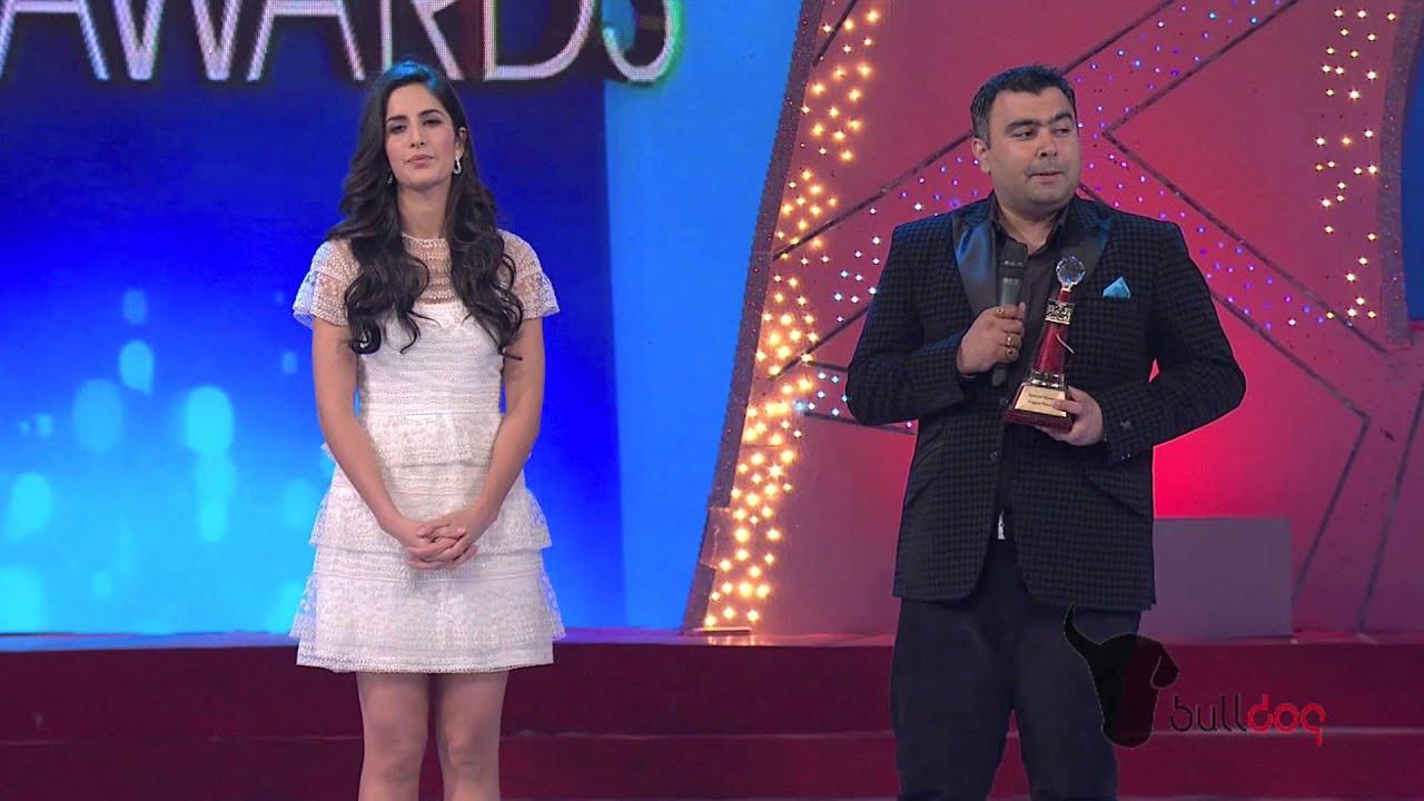 katrina kaif presents sports special honor to indian