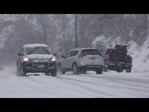 Colorado Springs, CO Cars Slide In Snow On Veterans Day - 11/11/2018