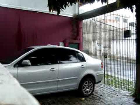 Saiba como lavar seu carro e economizar agua - wash your car in the rain