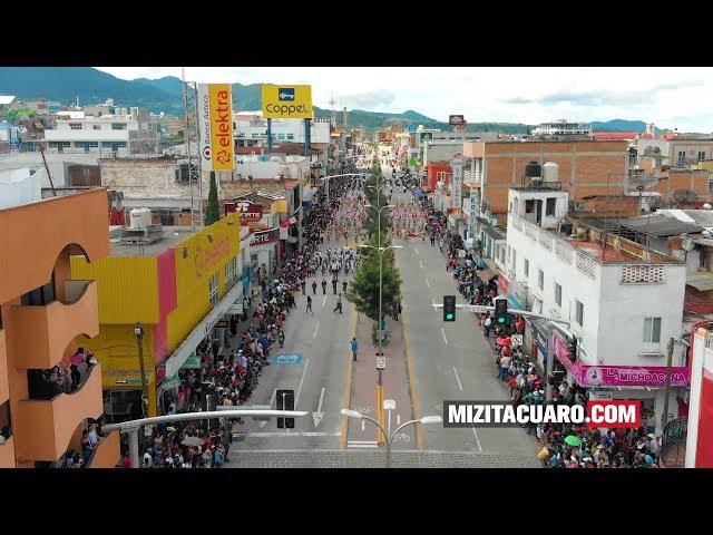 Carlos Herrera Tello preside desfile 16 de Septiembre en Zitácuaro