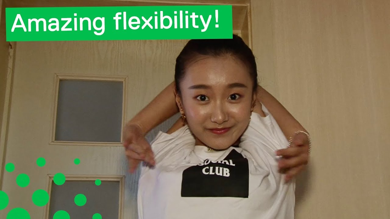 This Chinese Girl is More Flexible Than You