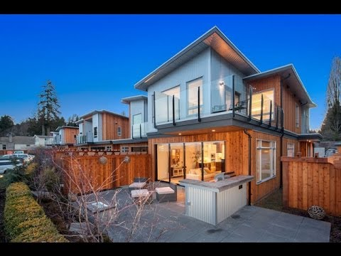 The Waterfront - Luxury Townhomes In Mill Bay British Columbia
