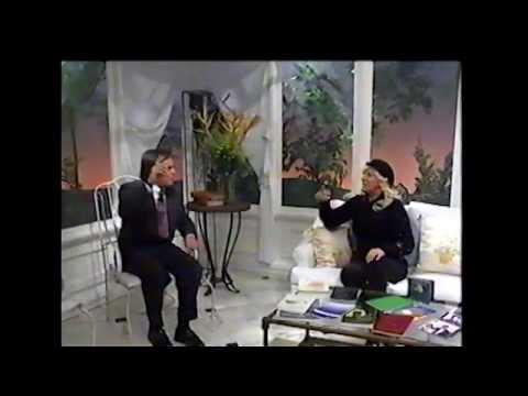 Carmem Tiepolo no Programa Mãe de Gravata da CNT falando sobre as músicas espirituais
