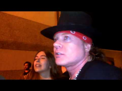 Axl Rose en Portugal dice: Guns n' Roses viene pronto streaming vf