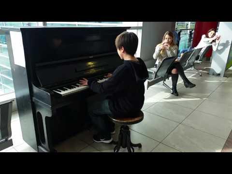 Nuvole Bianche - Street Piano Prague
