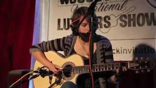 Macyn Taylor plays Black Mountain Rag arranged by Chet Atkins on a ...