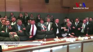 Anayasa Komisyonu'nda Yumruklu Kavga