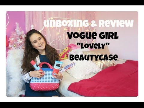 55d2a808f97 Unboxing en review Vogue Girl Lovely beautycase - YouTube