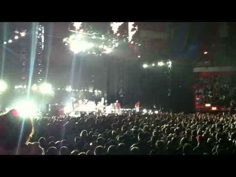 Red hot chili peppers live at stockholm chad drum solo